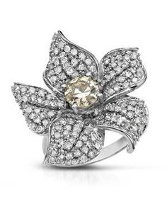 Blooming in white and yellow diamonds in 14k!