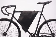 01 Corvus Dark Blue - hand made leather bag for classic man bicycles