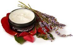 Vanishing Cream (Gesichtscreme): Diese Creme besteht hauptsächlich aus Zutaten auf Wasserbasis wie Leinsamenaufguss, Rosen- und Lavendelhonigwasser und die Öle und Buttern die wir dann für die Pflege hinzugeben sind ebenfalls besonders leicht.