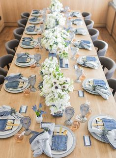 Blue Jean Baby Shower for Ali Fedotowsky Inspired By This Blue Hair ali Baby Blue Fedotowsky inspired Jean shower Blue Jeans, Jeans Bleu, Jean Crafts, Denim Crafts, Denim Baby Shower, Denim Wedding, Blue Jean Wedding, Ali Fedotowsky, Denim Decor
