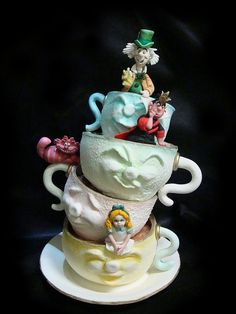 Alice in Wonderland - linked to more fantasy cakes including an awesome mushroom cake