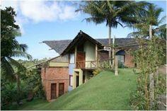 Lindo Bangalô com dois apartamentos separados em localização privilegiada no condomínio Vilas de São José.