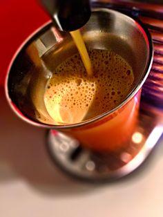 Guten Morgen😒…die Nase läuft…die Lunge rasselt…der #EnvivoLungo #Kaffee von @Nespresso schmeckt aber trotzdem🤒 #whatelse #ShotoniPhone #iPhoneSE #Camera+ #tadaacommunity