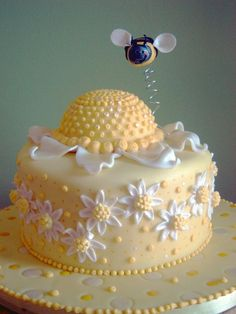 ≗ The Bee's Reverie ≗  buzzing bee, sunflower, daisies cake!