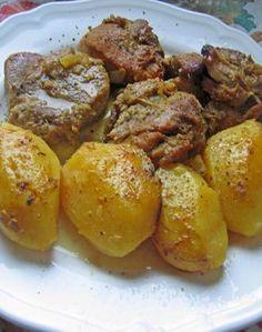 Το φαγητό της μαμάς συνήθως την Κυριακή !!!Αχ αυτές οι σπιτικές μυρωδιές!! Υλικά: 1,5 Kg χοιρινό μπούτι κομμένο σε μερίδες 6 πατάτες... Cookbook Recipes, Greek Recipes, Pork Recipes, Slow Cooker Recipes, Cooking Recipes, Pork Dishes, Tasty Dishes, True Food, Greek Cooking