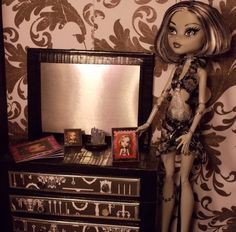 Doll a ton of tutorials for Monster High Scale