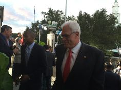 The Zen Master, and Shaq's former coach -- Phil Jackson -- has arrived at the Hall of Fame enshrinement ceremony