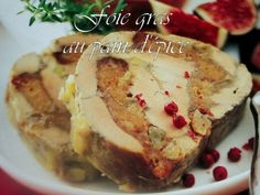 Illustrée de Marabout Chef INGREDIENTS 1 foie gras de canard cru 400 gr 2 càs de raisins moelleux, 4 tranches de pain d'épice, 1/4 de càc de 4 épices sel, poivre du moulin, PREPARATION Denervez soigneusement le foie gras. Assaisonnez-le en sel, poivre...