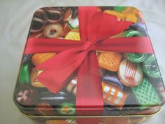 HOLIDAY CANDY TIN Christmas Decor Peerless #peerlesscandytin