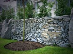 How to use the natural stone wall as garden fencing panels? decorative ideas for garden fence designs and ideas, stone garden fence panels 2017 Garden Fencing, Garden Landscaping, Landscaping Design, Stone Landscaping, Rock Wall Gardens, Pierre Decorative, Fenced Vegetable Garden, Stone Fence, Brick Fence