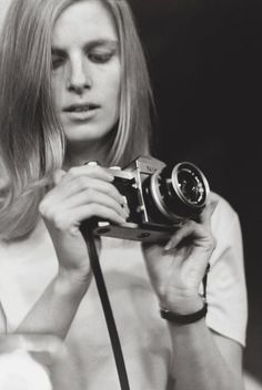 lapitiedangereuse:  Linda McCartney Portrait