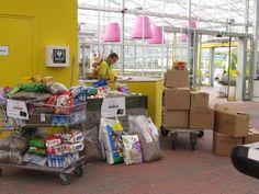30 juni 2012 -  Voedselinzameling bij tuincentrum Ranzijn en Discus Faunacentrum te Alkmaar