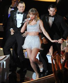 Kentucky Frat Brothers Hilariously Cover Shake It Off, Taylor Swift Responds | Cambio