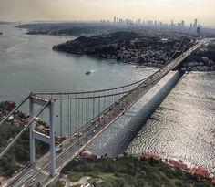 #oneistanbul#istanbul#turkey#turkiye#instaturkey#turkishfollowers#cntravellertr#fotozamani#aniyakala#beautifuldestinations#passionpassport#guardiantravelsnaps#instagram#igworldclub#theworldshotz#photooftheday#natgeotravel#city#travel#light#streetart#streetphotography#sea#bridge#bosphorus