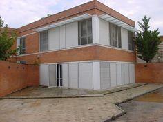 #Edificios #Contemporaneo #Exterior #Puertas #Fachada #Ventanas