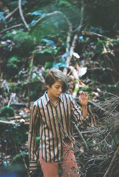 f(x) Amber – Photo For '4 WALLS'
