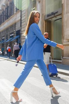 Blue suit for work Mode Outfits, Fashion Outfits, Womens Fashion, Classy Outfits, Casual Outfits, Work Fashion, Fashion Looks, Suits For Women, Chic Outfits