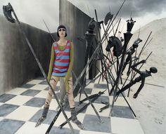 Edie-Cambpell-by-Tim-Walker-for-Vogue-Italia-December-2015-30.jpg (2004×1627)
