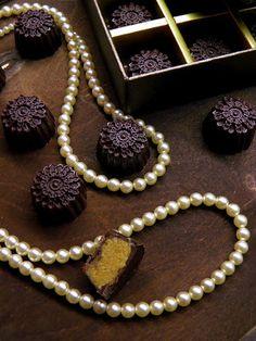 Csokoládé Reformer: Karamellizált fehércsokoládés ír krémlikőrös bonbon