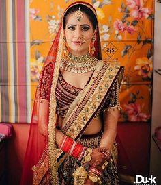 Real Brides Showing Off The Most Unique Bridal Necklaces! Indian Bridal Lehenga, Indian Bridal Wear, Indian Bridal Photos, Punjabi Bride, Pakistani Girl, Bride Portrait, Stylish Girl Pic, Embroidered Clothes, Bridal Necklace