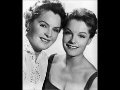 Romy Schneider et sa mère Magda Schneider -Romy with mother, german actress Magda Schneider Romy Schneider, Magda Schneider, Hollywood Actor, Hollywood Actresses, Classic Hollywood, Old Hollywood, Hollywood Glamour, Famous Photos, Famous Faces