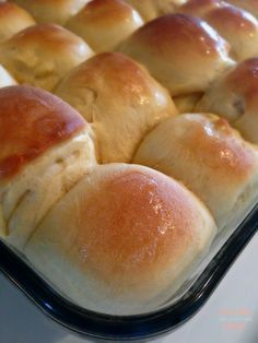 Easy, delicious, buttery dinner rolls made in the bread machine. Perfect for Thanksgiving Dinner