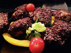 Tonno fresco panato con salsa di soia e semi di lino