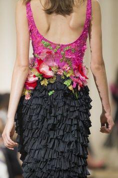 "skaodi: "" Details from Marchesa Spring/Summer London Fashion Week. Fashion Details, Love Fashion, High Fashion, Fashion Design, London Fashion, Fashion Glamour, Lanvin, Armani Prive, Beautiful Gowns"