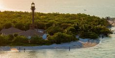 Located along the Gulf of Mexico, just a short drive from Fort Myers, Sanibel Island is justly famed for its sunsets, lighthouse and luxurious resorts.