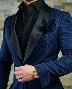 by Sebastian Navy Blue & Black Paisley Dinner Jacket Sebastian Cruz Couture Want to get OFF? Simply add 5 items to your cart.Sebastian Cruz Couture Want to get OFF? Simply add 5 items to your cart. Blazer Outfits Men, Stylish Mens Outfits, Mens Fashion Suits, Mens Suits, Mens Custom Suits, Prom Suits For Men, Designer Suits For Men, Dinner Jacket, Gentleman Style