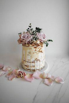 Rhubarb and Rose Naked Cake with Coconut Buttercream Really nice Mein Blog: Alles rund um die Themen Genuss & Geschmack Kochen Backen Braten Vorspeisen Hauptgerichte und Desserts