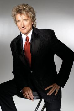 """Roderick David """"Rod"""" Stewart, CBE (born January is a British singer-songwriter, born and raised in North London, England and curr. Music Love, Rock Music, My Music, Mick Jagger, Rosa Parks, David Bowie, Sharp Dressed Man, Foto E Video, Music Artists"""