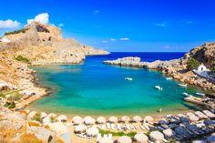 Apesar de não ter um território muito grande, a Grécia possui um dos litorais mais extensos do mundo. No total, são mais de 13 mil quilômetros de costa, isso graças às mais de seis mil ilhas do país. Como comparação,...