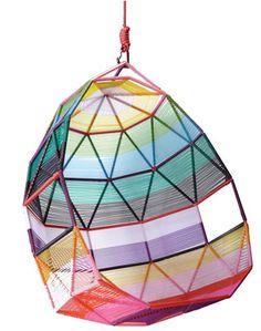 Mobiliário Contemporâneo Internacional Móvel: Tropicália Cocoon Designer(s): Patrícia Urquiola Características: praticidade; simplicidade e funcionalidade; cores fortes; formas geométricas, linhas retas.