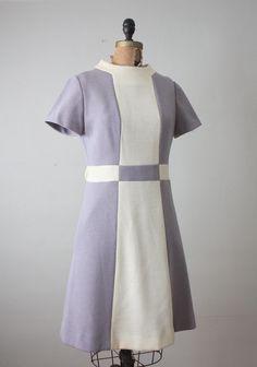 1960s dress - lilac colorblock dress 60 Fashion, Retro Fashion, Vintage Fashion, Fashion Design, Daphne Blake, Vintage Dresses 1960s, Retro Dress, Retro Outfits, Vintage Outfits