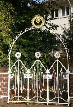 Darmstadt, Mathildenhöhe, Gartentor am Alexandraweg (garden gate)   Flickr - Photo Sharing!