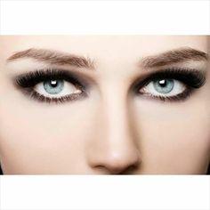 ¿Sabías que la pupila de los ojos oscuros se dilata más lento que la de los ojos claros? ¡Sorpréndete con la capacidad de tu visión! #ClínicadeEspecialidadesOftalmológicas