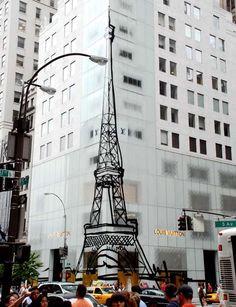 Louis Vuitton Eiffel Tower on 5th Avenue 2