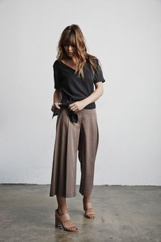 Vetta Capsule SS16  The Blouse + The Culottes + The Tunic (Tied w/ V-neck Front)…