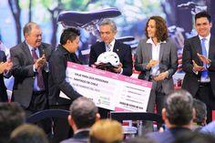 Ciclistas que realizaron el mayor número de horas de uso del sistema Ecobici, fueron premiados.