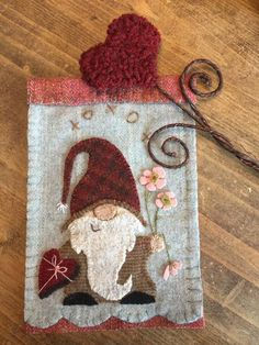 Hartly Gnome pattern for wool appliqué 2019 Hartly Gnome pattern for wool appliqué Wool Applique Patterns, Felt Applique, Applique Quilts, Felt Patterns, Felted Wool Crafts, Felt Crafts, Felt Christmas Ornaments, Prim Christmas, Cowboy Christmas