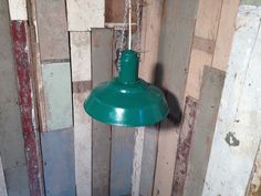 Groene emaille fabriekslamp