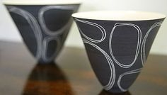 Black sgraffito on ceramics Ceramic Decor, Ceramic Clay, Ceramic Bowls, Ceramic Pottery, Stoneware, Slab Pottery, Sgraffito, Keramik Design, Keramik Vase