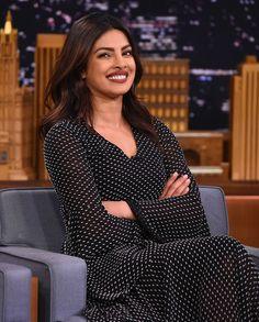 Priyanka Chopra Photos - Priyanka Chopra Visits 'The Tonight Show Starring Jimmy Fallon' at Rockefeller Center on September 2016 in New York City. - Priyanka Chopra Visits 'The Tonight Show Starring Jimmy Fallon' Bollywood Celebrities, Bollywood Actress, Bollywood Fashion, Actress Priyanka, Priyanka Chopra Hot, Latest Kurti, Indian Designer Outfits, Casual Work Outfits, Indian Models