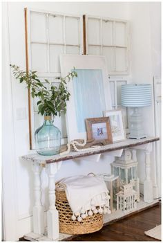 Simple, Coastal Spring Vignette - Amber Tysl Always wanted to discover how to knit, but unclear where to begin? This kind of Absolute Beginner Knitting Sequence is e. Coastal Entryway, Coastal Cottage, Coastal Style, Coastal Homes, Coastal Decor, Nautical Style, Coastal Furniture, Wooden Furniture, Funky Home Decor