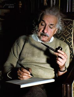 Albert Einstein at home in Princeton, New Jersey, 1940 : ColorizedHistory