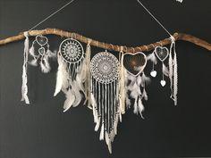 Traumfänger Dream Catchers, Dream Catcher Bedroom, Dream Catcher Craft, Dream Catcher Boho, Dream Bedroom, Diy And Crafts, Arts And Crafts, Diy Tumblr, Macrame Design