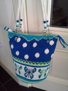 Diy Crochet Bag, Crochet Purses, Knit Or Crochet, Wiggly Crochet, Crochet Hammock, Mochila Crochet, Tapestry Crochet Patterns, Tapestry Bag, Diy Handbag