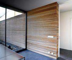 Niedrigenergiehaus in filsdorf - haus kieffer klas - Murales Pared Exterior Exterior Wall Cladding, Timber Cladding, Wall Cladding Interior, Cladding Panels, Style At Home, Interior Walls, Interior And Exterior, Timber Walls, Wood Slats