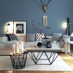 ▷ 1001 + ideas for modern and stylish deco for living room- ▷ 1001 + Ideen für moderne und stilvolle Deko für Wohnzimmer deco living room, blue wall, round and square coffee table, candles and vases - Home Living Room, Living Room Designs, Living Room Blue, Living Room Decor 2018, Nordic Living Room, Cozy Living, Living Area, Room Interior, Interior Design